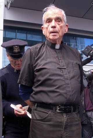 Daniel Berrigan - Photo credit - Richard Drew, Associated Press